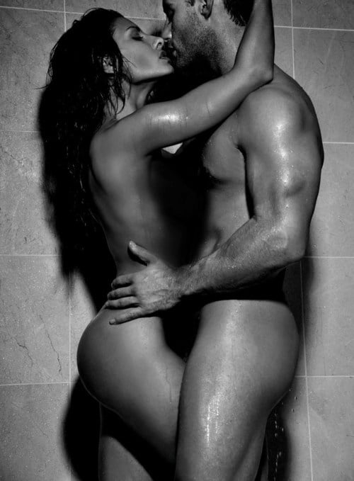 sexy-couple-in-the-shower